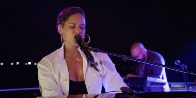 Alicia Keysが9.11にパフォーマンス映像公開。NYの夜景が綺麗すぎる。